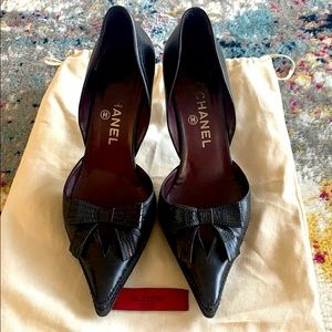CHANEL Bow Logo Leather Heels Size 38.5